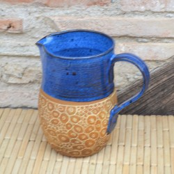 Pichet sgraffité bleu